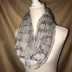 ⭐️ GRAY SHEER STRIPED INFINITY SCARF